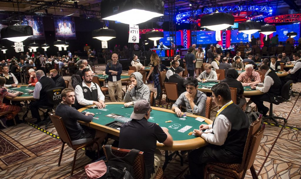 Strategies for playing in poker tournaments